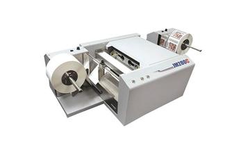 高速彩色标签打印机,可实现自动贴标