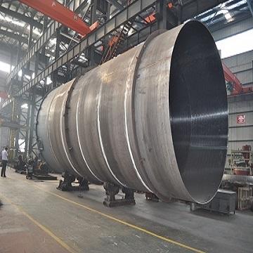 正在加工的200m³的发酵罐