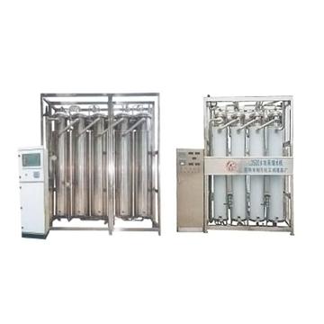 LD系列智能自控多效蒸馏水机