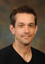安娜的导师,丹尼斯W沃兰教授