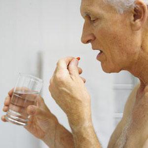 """我国老年人用药""""风险目录""""修订版发布:有效把控老年人用药风险"""
